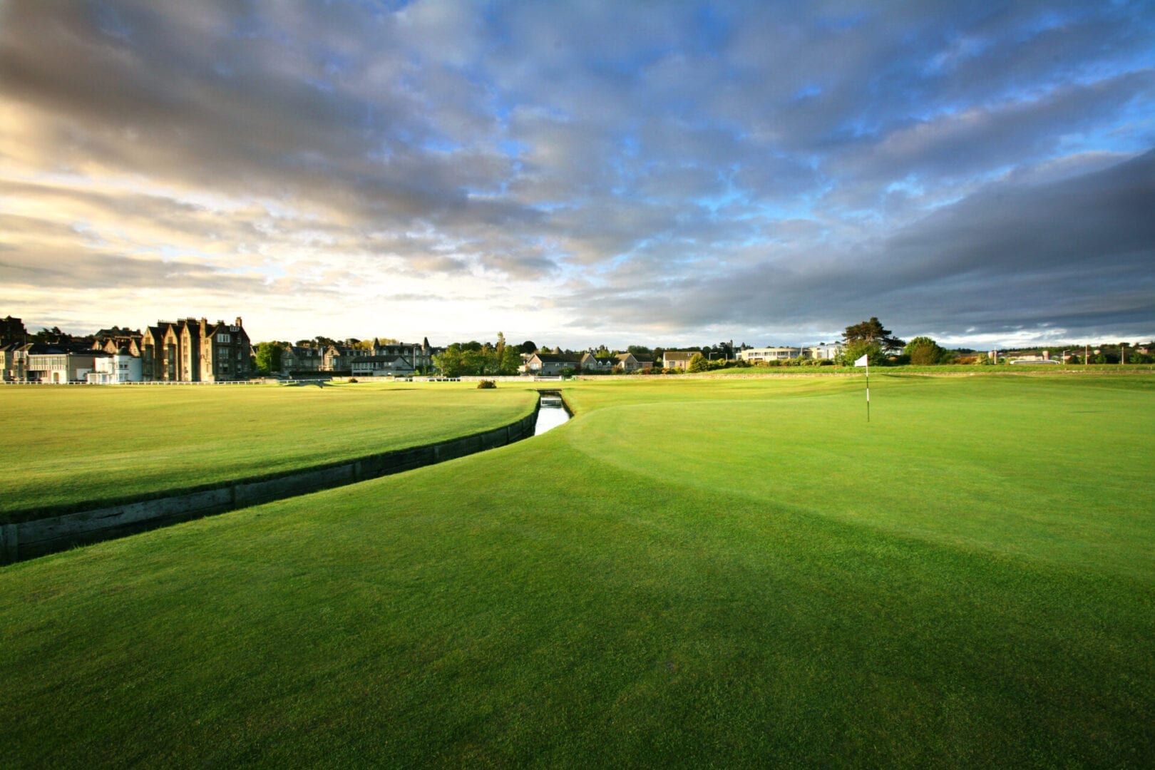 4. Old Course - 1st green